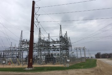 In the Midwest, technology not a replacement for transmission lines