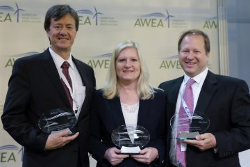 "WOW Awarded ""Excellence in Transmission Advocacy Award"""